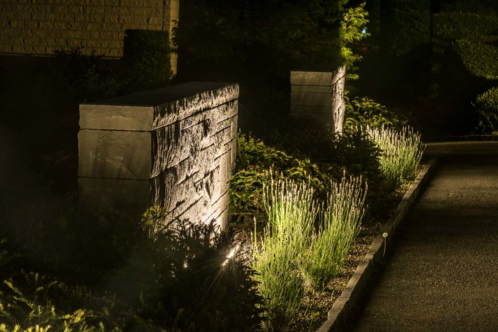 garden illumination the magic of the night in your outside living area. Black Bedroom Furniture Sets. Home Design Ideas